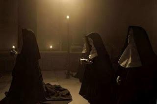 Monjas rezando
