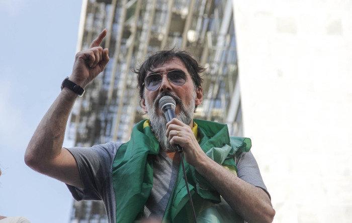 O cantor Lobão durante ato na Paulista (Foto: Mariana Topfstedt/Sigmapress/Folhapress)